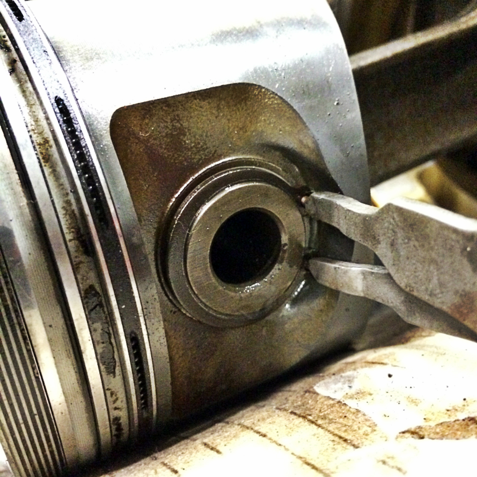 Removing Piston Circlip